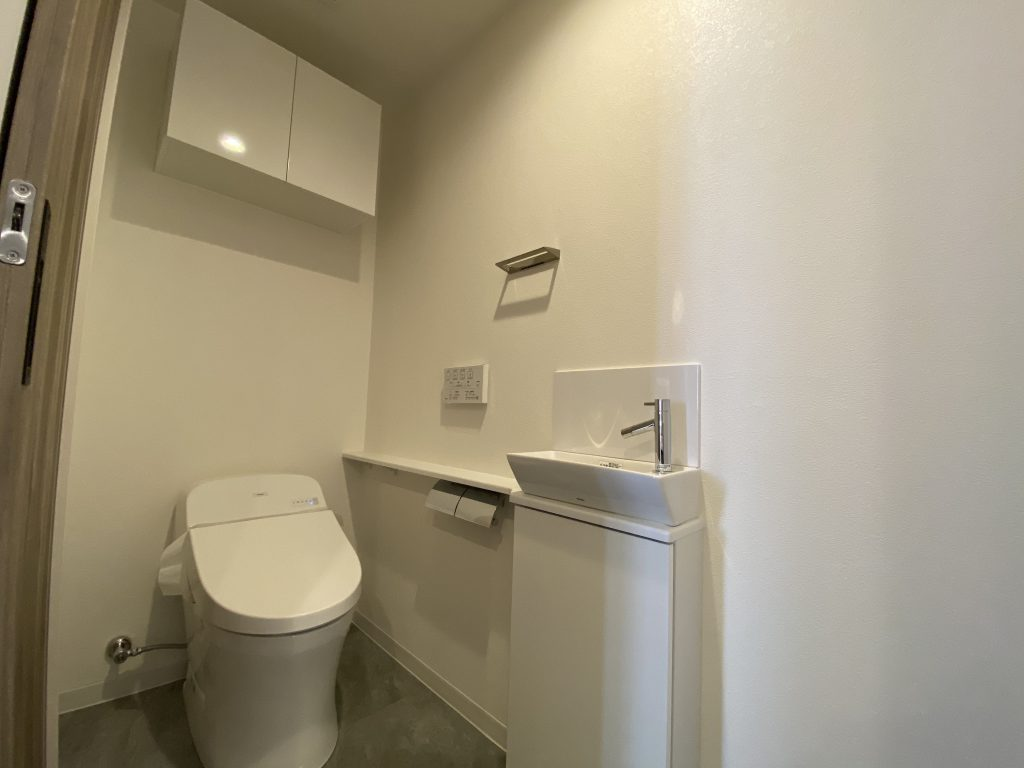 リーガル京都二条城東 トイレ