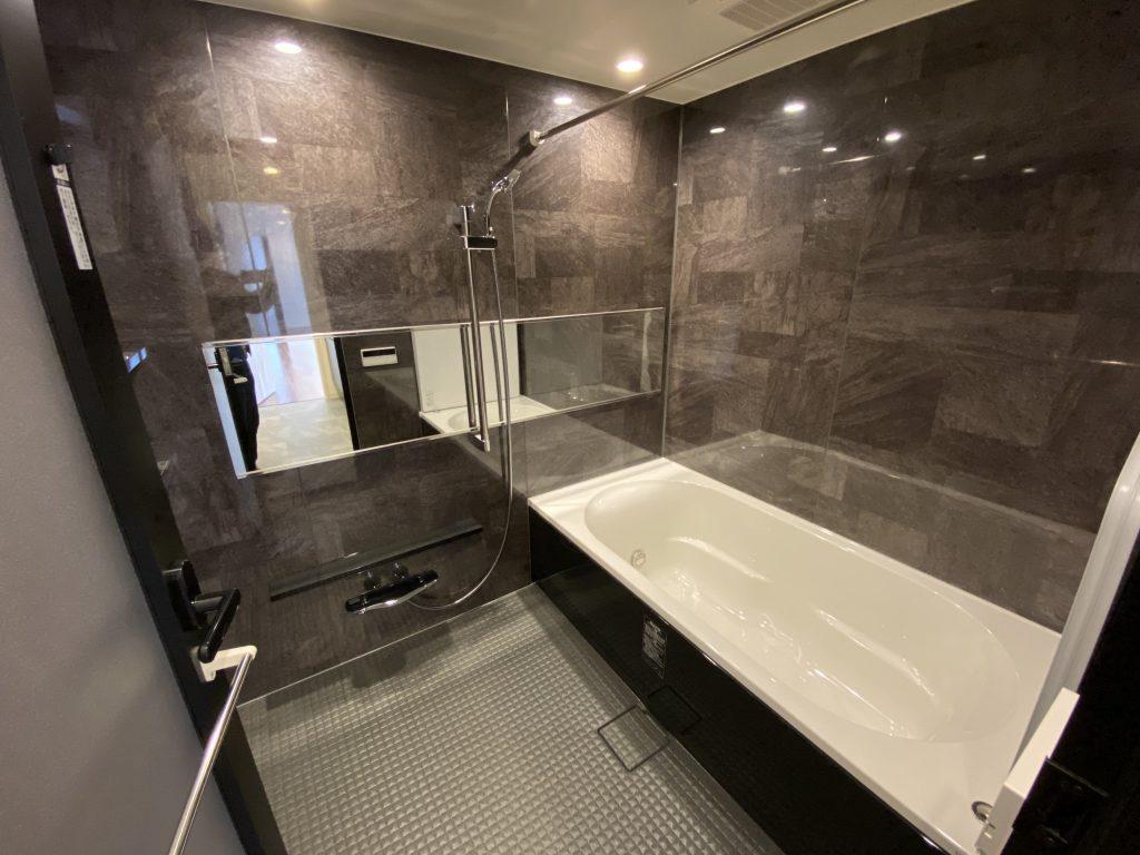 リーガル京都二条城東 浴室
